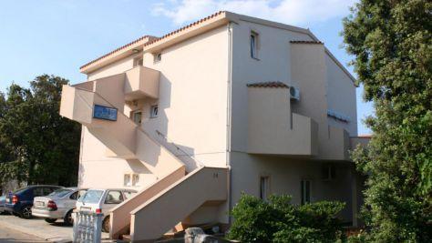 Ferienwohnungen und Zimmer Mandre 15010, Mandre - Exterieur