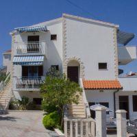 Ferienwohnungen und Zimmer Arbanija 16350, Arbanija - Exterieur