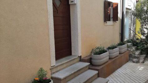 Apartmaji in sobe Cres 16357, Cres - Zunanjost objekta