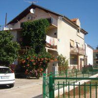 Apartmani Pirovac 16931, Pirovac - Eksterijer
