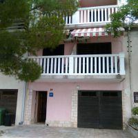 Apartmaji in sobe Jadranovo 18480, Jadranovo - Zunanjost objekta