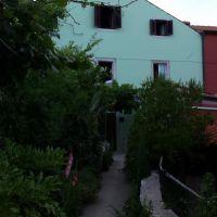 Apartmaji in sobe Nerezine 2743, Nerezine - Zunanjost objekta