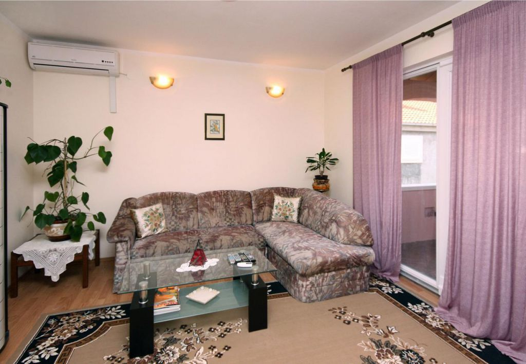 Apartments Srebreno 4765, Srebreno | Booking in three steps ...