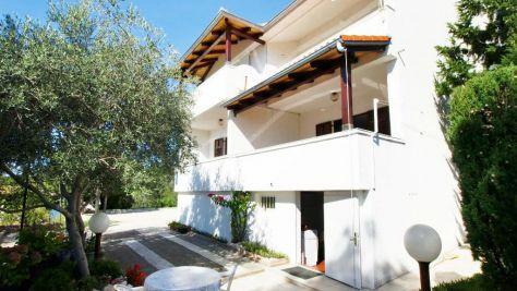 Apartmány a pokoje Barbat 4831, Barbat - Exteriér