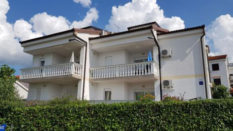 Apartmány Njivice 5207, Njivice - Exteriér