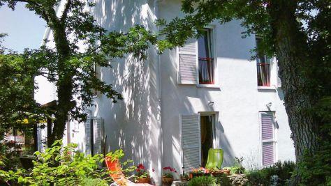 Apartmány a pokoje Njivice 5218, Njivice - Exteriér