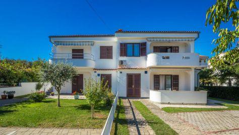 Apartmány a pokoje Vantačići 5221, Vantačići - Exteriér