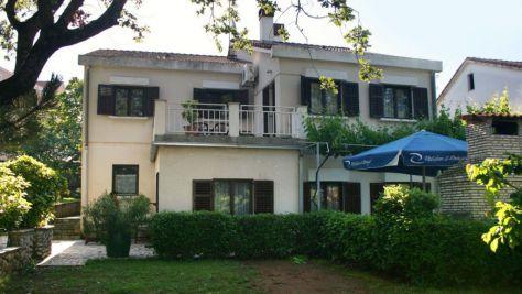 Apartmány Njivice 5326, Njivice - Exteriér