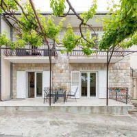 Apartments Podstrana 5876, Podstrana - Exterior