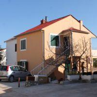 Apartments Seget Vranjica 5935, Seget Vranjica - Exterior