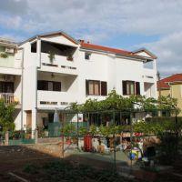 Apartmaji Turanj 5978, Turanj - Zunanjost objekta