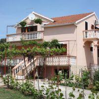Apartmaji Turanj 5989, Turanj - Zunanjost objekta