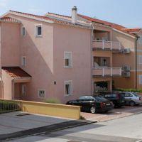 Apartments Povljana 7637, Povljana - Exterior